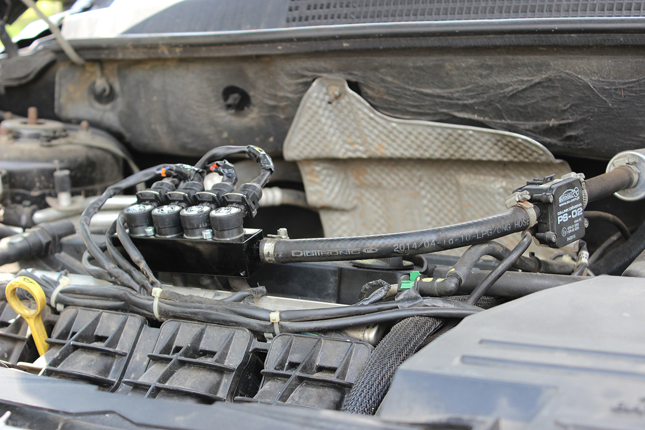 Рампа инжекторов GR2000M на автомобиле